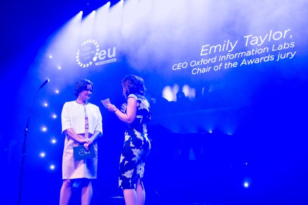 emily_taylor_chair_eurid_web_awards_with_sally_bundock-featured.jpg