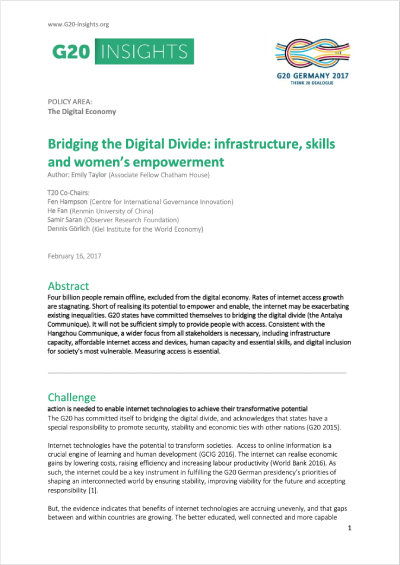 bridging_digital_divide_infrastructure_skills_womens_empowerment-featured.png